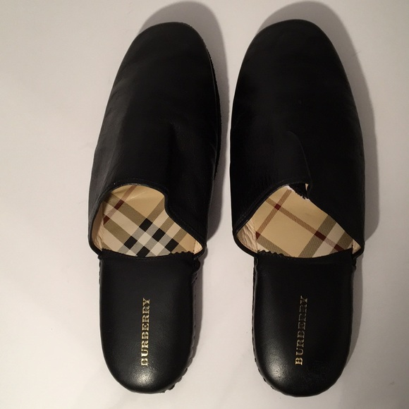 5eff81a1335 Burberry Other - Burberry Men s Black Leather slippers size 9